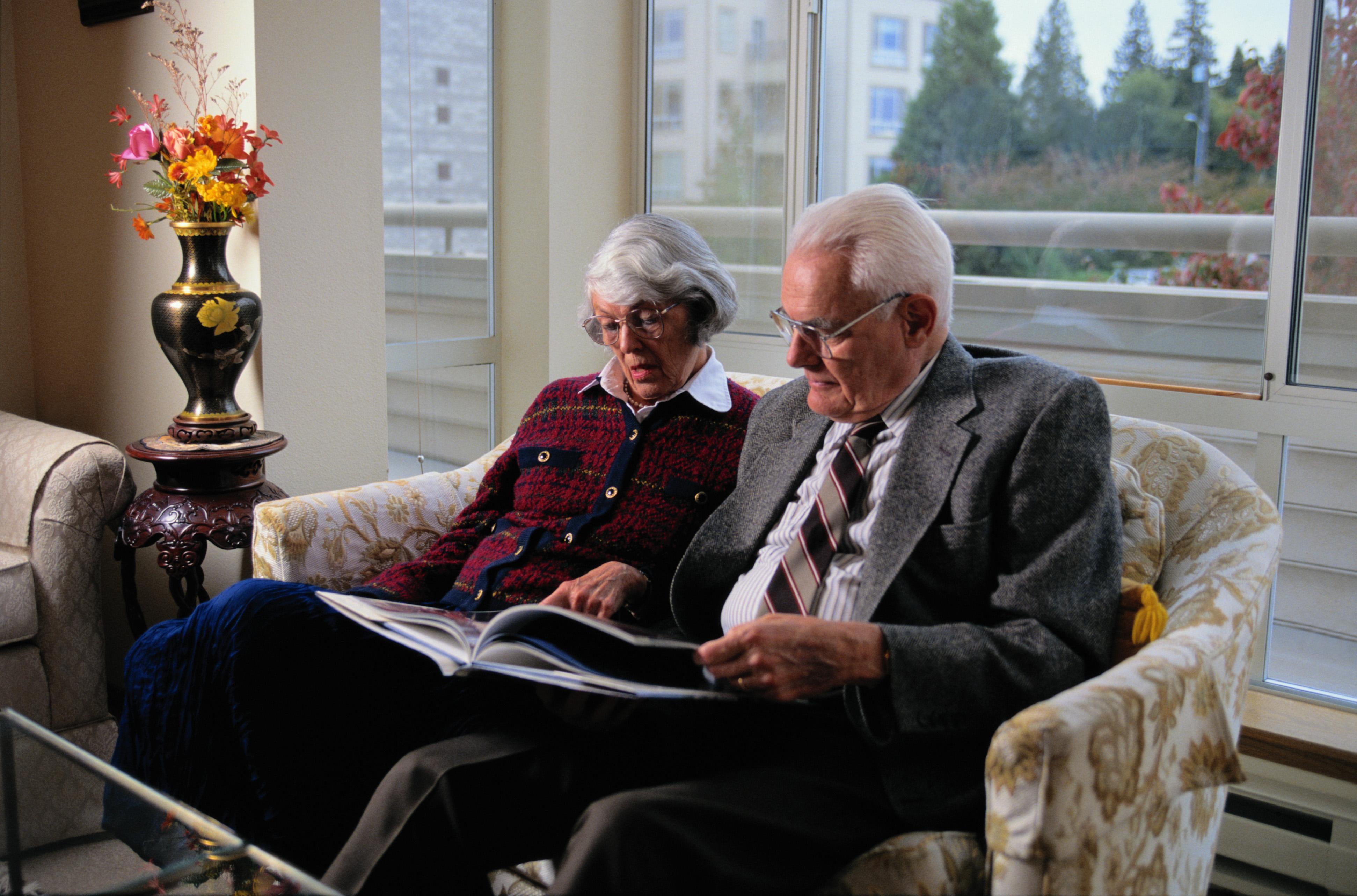 La OMS aprueba una resolución para instar a los países a trabajar para lograr un envejecimiento saludable de la población