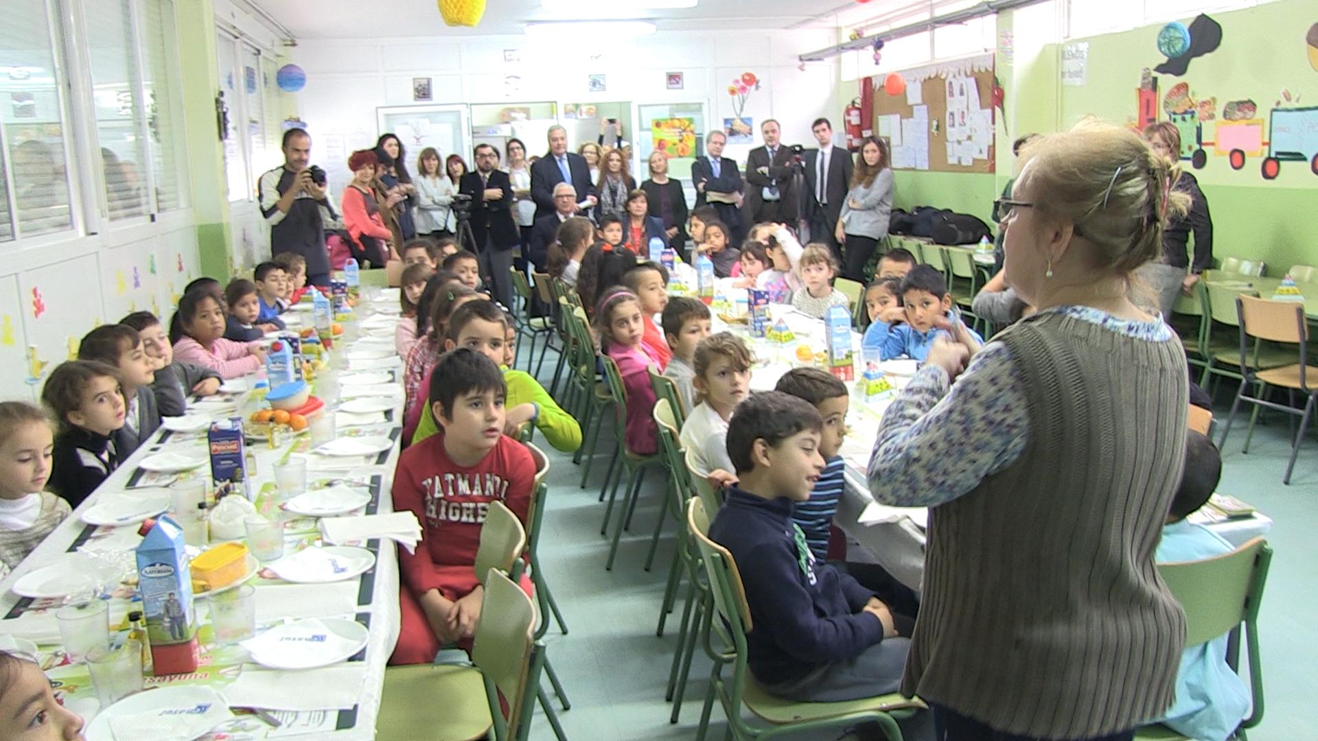 Educación y otras entidades buscan proyectos que promuevan los buenos hábitos alimentarios en colegios