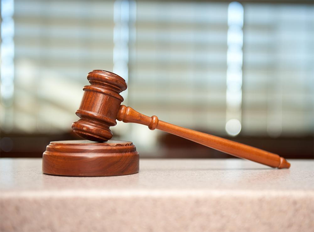 El Supremo avala la colegiación de oficio como medida de control profesional