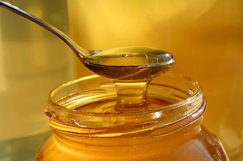 Un enfermero estudia los verdaderos efectos de la miel sobre las heridas
