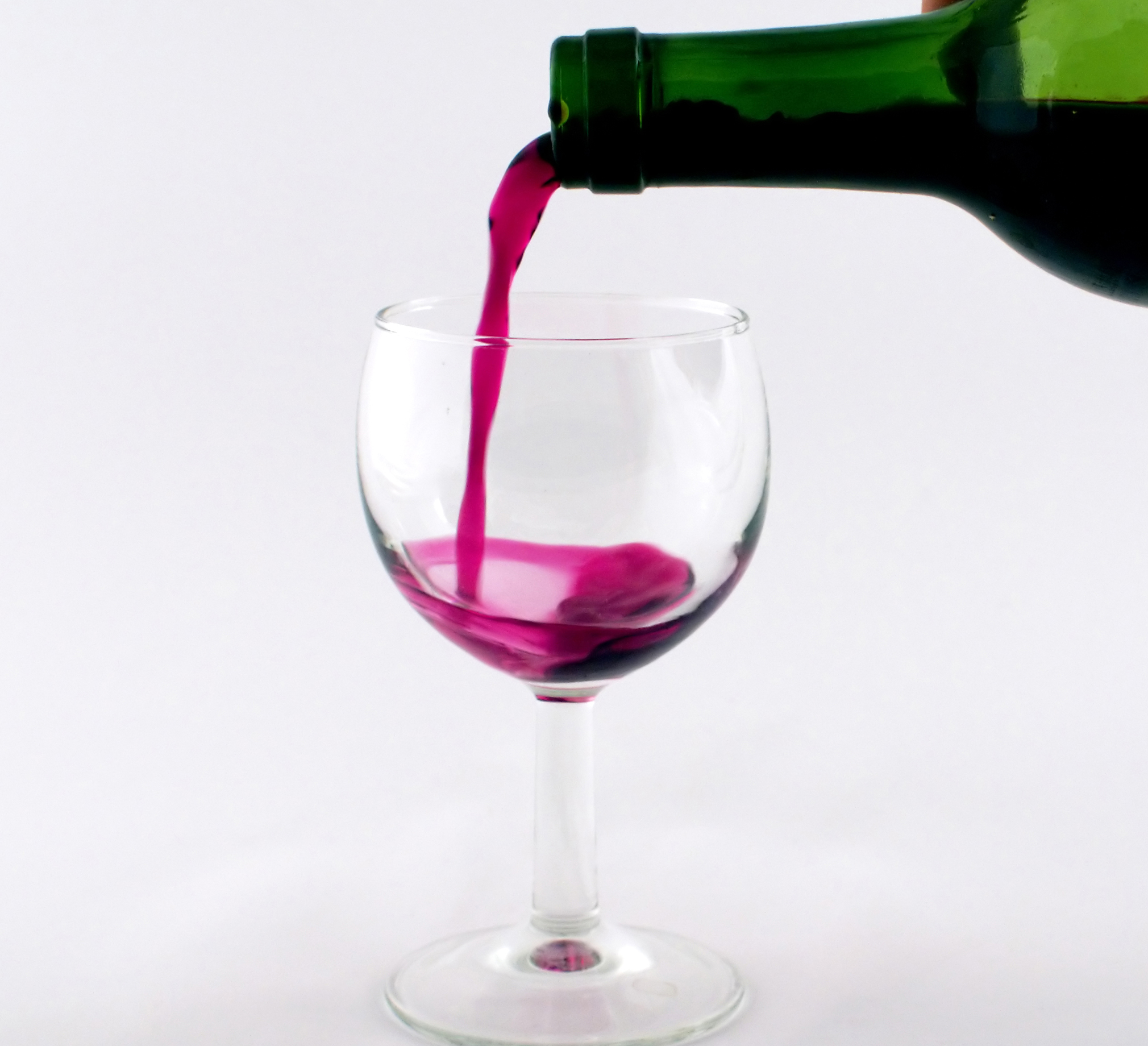 Beber alcohol de forma moderada protege el corazón