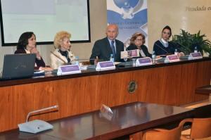 De izquierda a derecha: Gloria Boal, Pilar Fernández, Máximo González Jurado, Emilia Redondo y Rosabel Molina, durante la presentación del informe. Imagen: Ana Muñoz