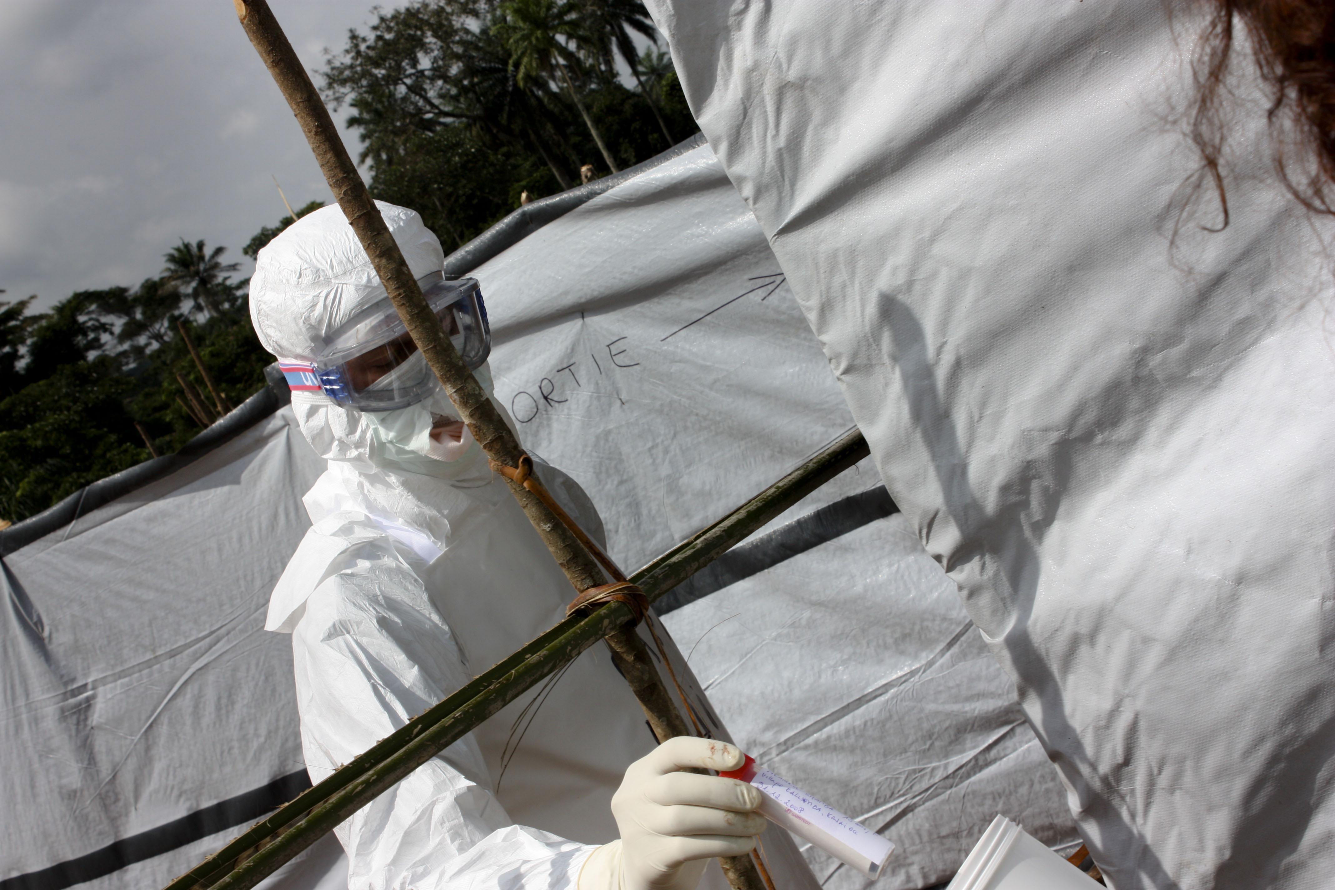 Una vacuna experimental contra el ébola demuestra una eficacia elevada en Guinea