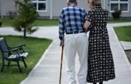 Las enfermeras salmantinas lanzan junto al Ayuntamiento un nuevo cuadernillo para fomentar hábitos saludables en personas mayores