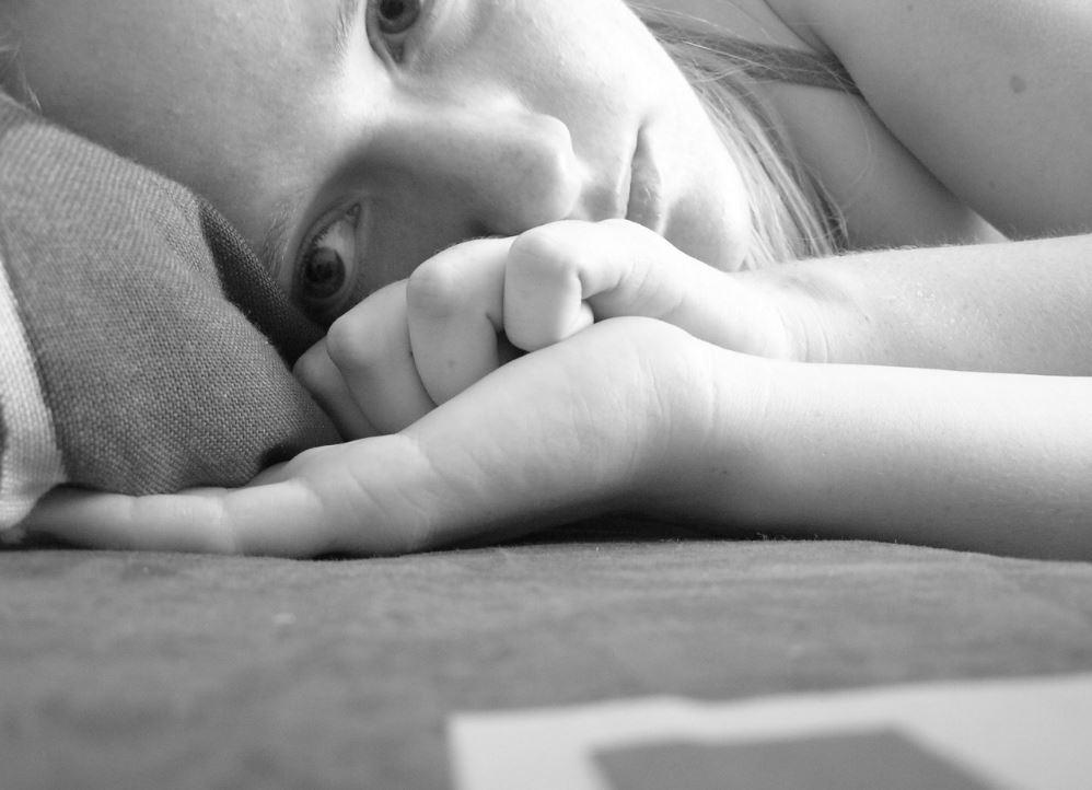 OMS avisa de que la depresión en la adolescencia aumenta el riesgo de delincuencia y consumo de drogas