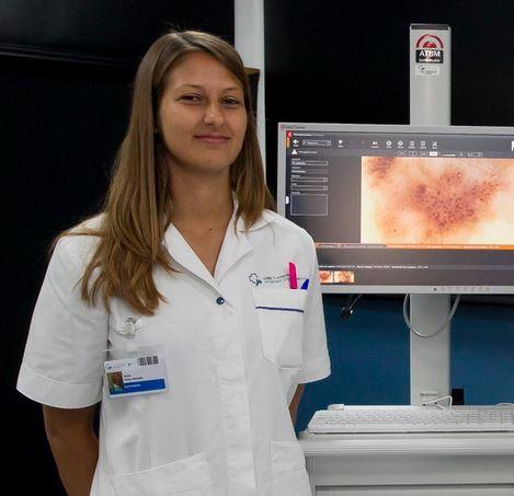 La enfermera Marta Pérez, autora de un autotest para prevenir el melanoma