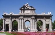 Varios edificios y monumentos de España se iluminarán de verde por el Día Nacional de la Artritis
