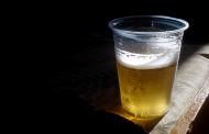 Una enzima defectuosa lleva del botellón al alcoholismo