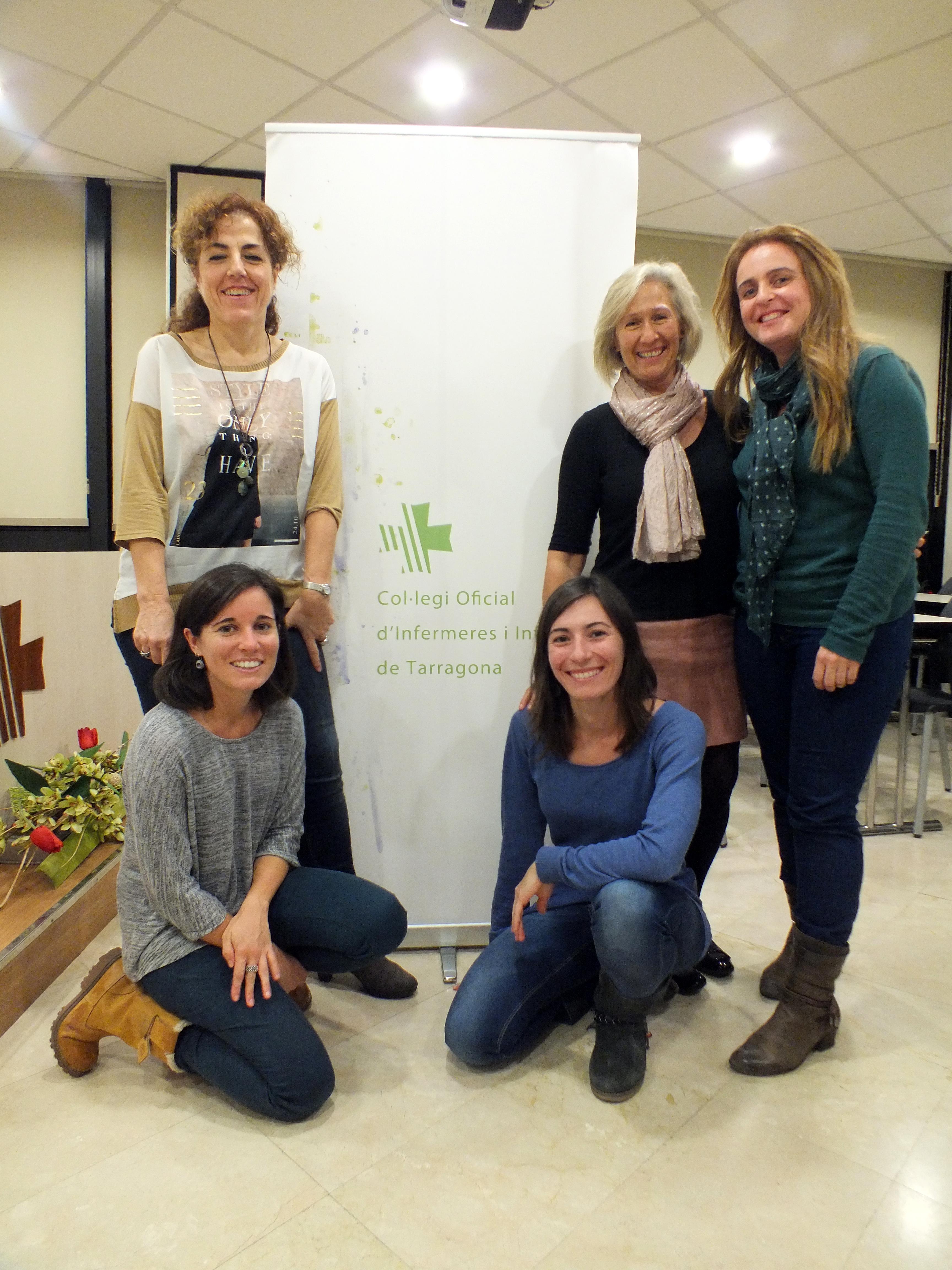 El grupo de matronas del Colegio de Enfermería de Tarragona que llevaron a cabo el estudio