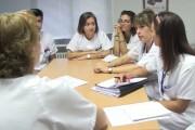 Las enfermeras tarraconenses aplauden la labor de las supervisoras contra el COVID-19