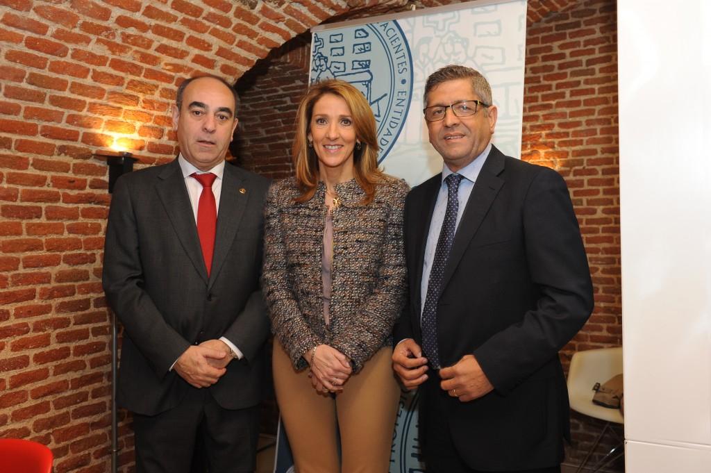 De izqda. a dcha.: Primitivo Ramos (SEGG), Esther Redondo (SEMERGEN) y Antonio Bernal (AGP)