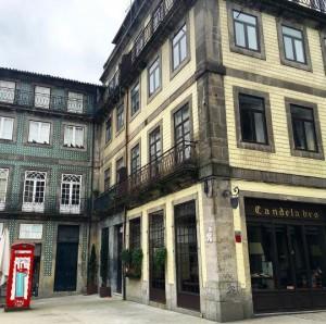 Arte callejero y palacios del siglo XVIII conviven en las calles de la ciudad. Imagen: OportoCool