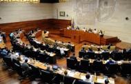 El Parlamento de Extremadura aprueba solicitar la regulación de la publicidad sanitaria