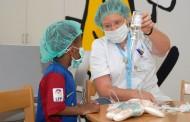 Reducir la ansiedad de los niños hospitalizados a través de enfermeras childlife