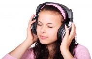 El aumento de acúfenos entre los jóvenes puede adelantar su pérdida de audición