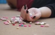 Sanidad trabaja en un teléfono público contra el suicidio similar al 016