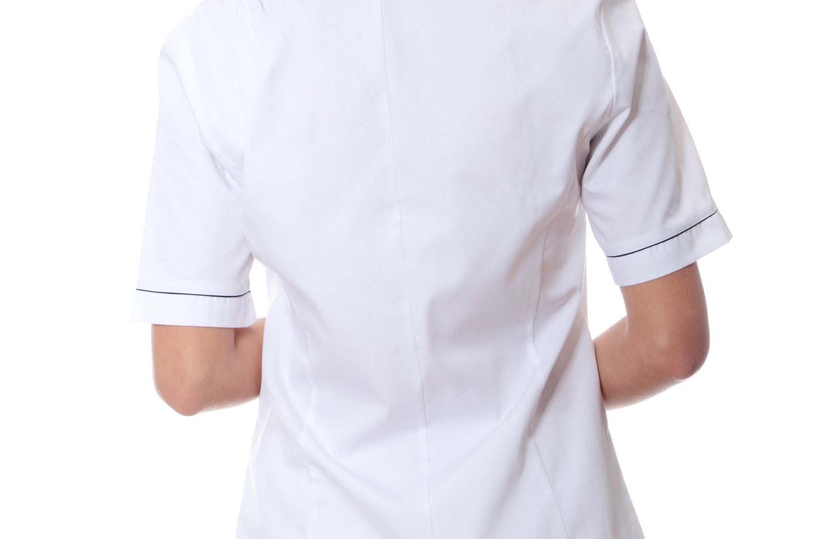 Los uniformes de las enfermeras, una de las principales causas de las infecciones de las UCIs, según un estudio
