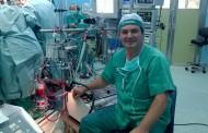 Un enfermero estudia el uso de una alternativa a la heparina