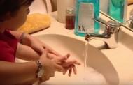 El Hospital San Juan de Dios inicia una campaña de formación en higiene de manos para familiares de pacientes