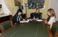 El ayuntamiento de Cáceres y el Colegio de Enfermería firman un convenio para formar a la población en temas de salud