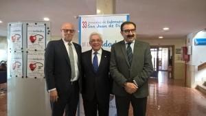 De izquierda a derecha: Juan José Afonso, director general de la provincia bética de la Orden, Jesús Sánchez Martos y Jesús Fernández Sanz, consejeros de Sanidad de Madrid y Castilla-La Mancha