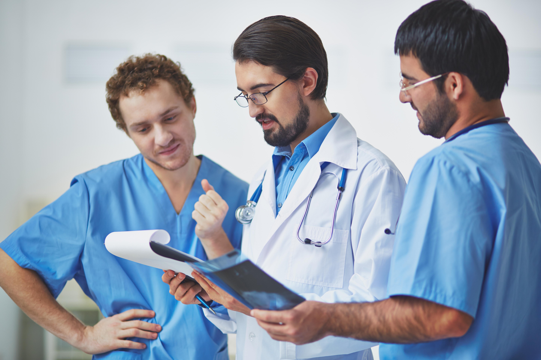 La necesidad de notificar sucesos de pacientes entre profesionales