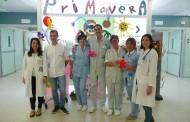 La enfermería navarra recibe la primavera con nueva decoración enla Unidad de Oncología