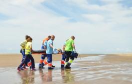 Cuatro pateras evacuadas sin muertos en el simulacro  del curso de urgencias y emergencias en la EICS en Sevilla