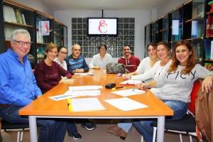 El grupo de profesionales que participará en los talleres junto a Fran Lara
