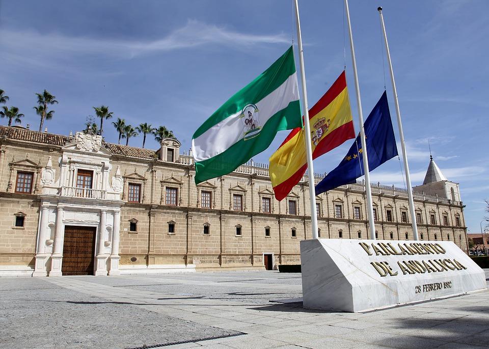 Andalucía aprueba su OPE de 2021 con nuevas plazas para enfermeras generalistas y especialistas