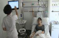 Brazos articulados para ayudar a las enfermeras en la transcripción de datos