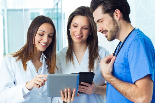 Navarra convoca un concurso-oposición de enfermería para marzo de 2018