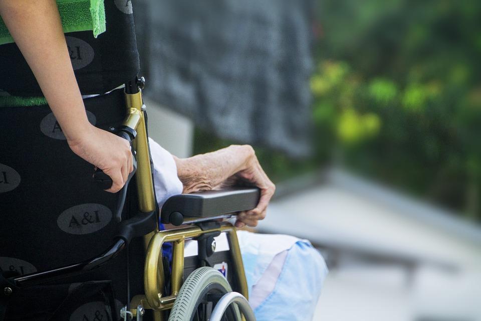 Pacientes terminales, ¿es posible morir en casa?