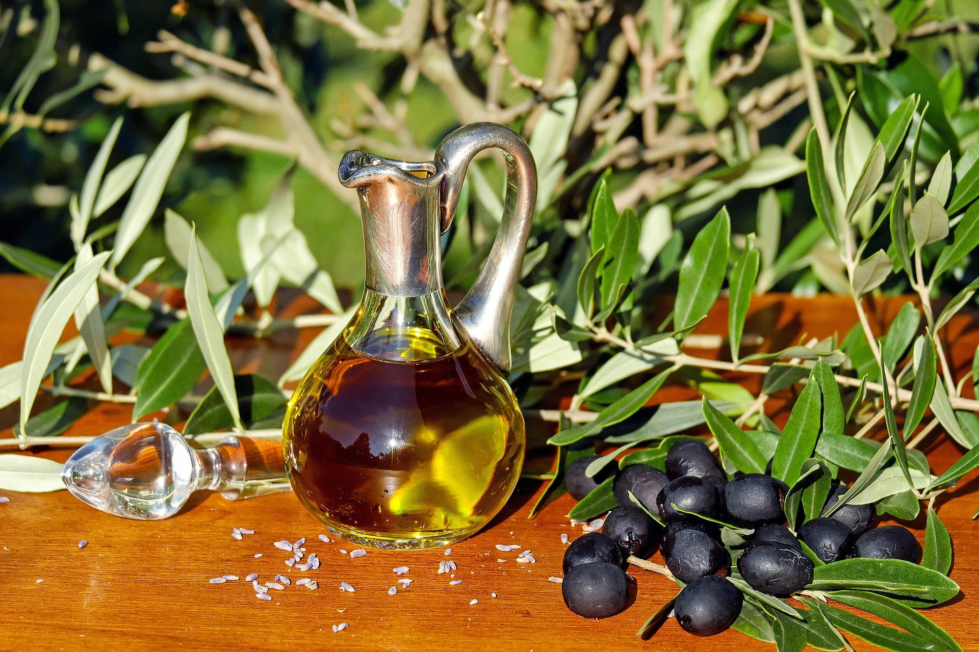 Un compuesto extraído del olivo ayuda a la cicatrización de heridas, según una investigación del IMIB