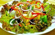 Comer una ensalada al día, vinculado con envejecimiento cerebral más lento