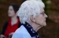 La Enfermería Familiar y Comunitaria alerta de que el 60% de las mujeres mayores de 75 años sufre soledad