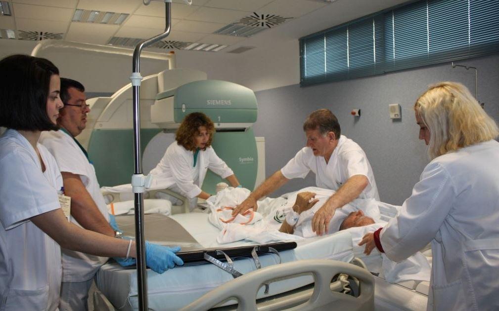"""""""La atención a un paciente con cáncer depende de todo el equipo de sanitarios"""""""