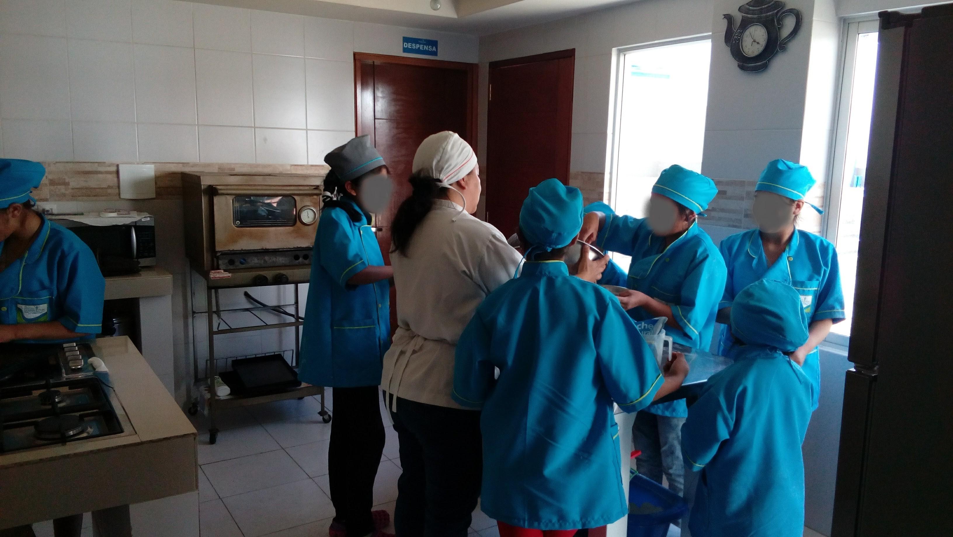Formación profesional, una segunda oportunidad para las víctimas de trata en Bolivia