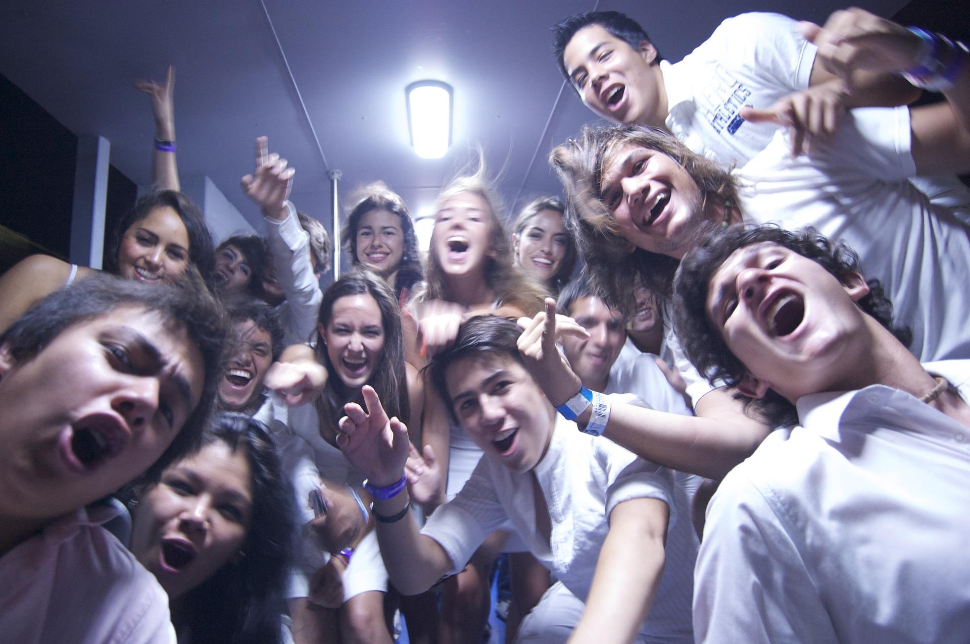 Lo que más condiciona a un adolescente para engancharse al tabaco es que sus amigos fumen