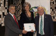 El Colegio de Enfermería edita un libro sobre los más de 100 años de historia de la profesión en Vizcaya