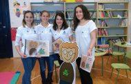 Enfermeras cántabras cuidan la salud de los niños con cuentacuentos