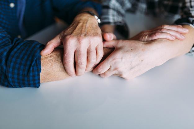 Enfermeras cordobesas estudian cómo reducir la ansiedad que genera el cuidado de los pacientes