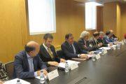Castilla y León se alía con las profesiones para evitar publicidad sanitaria irregular