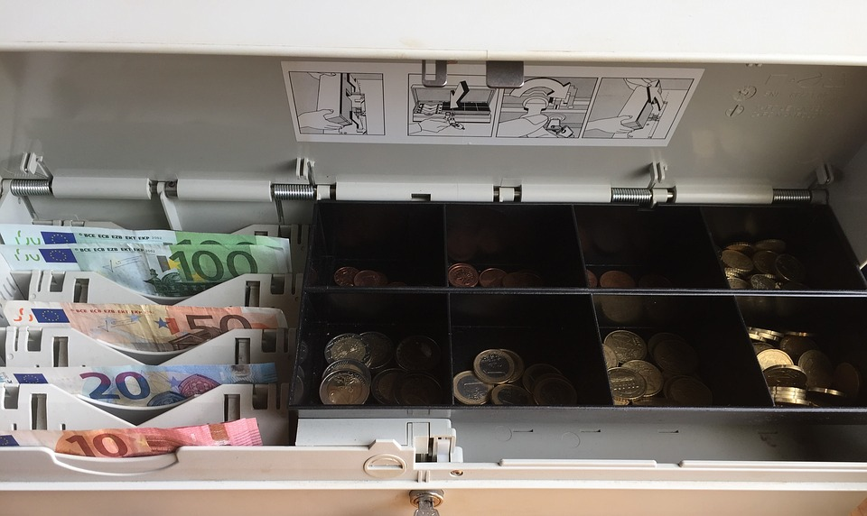 """La SEMAP rechaza la """"mercantilización"""" de la atención domiciliaria por la farmacia"""