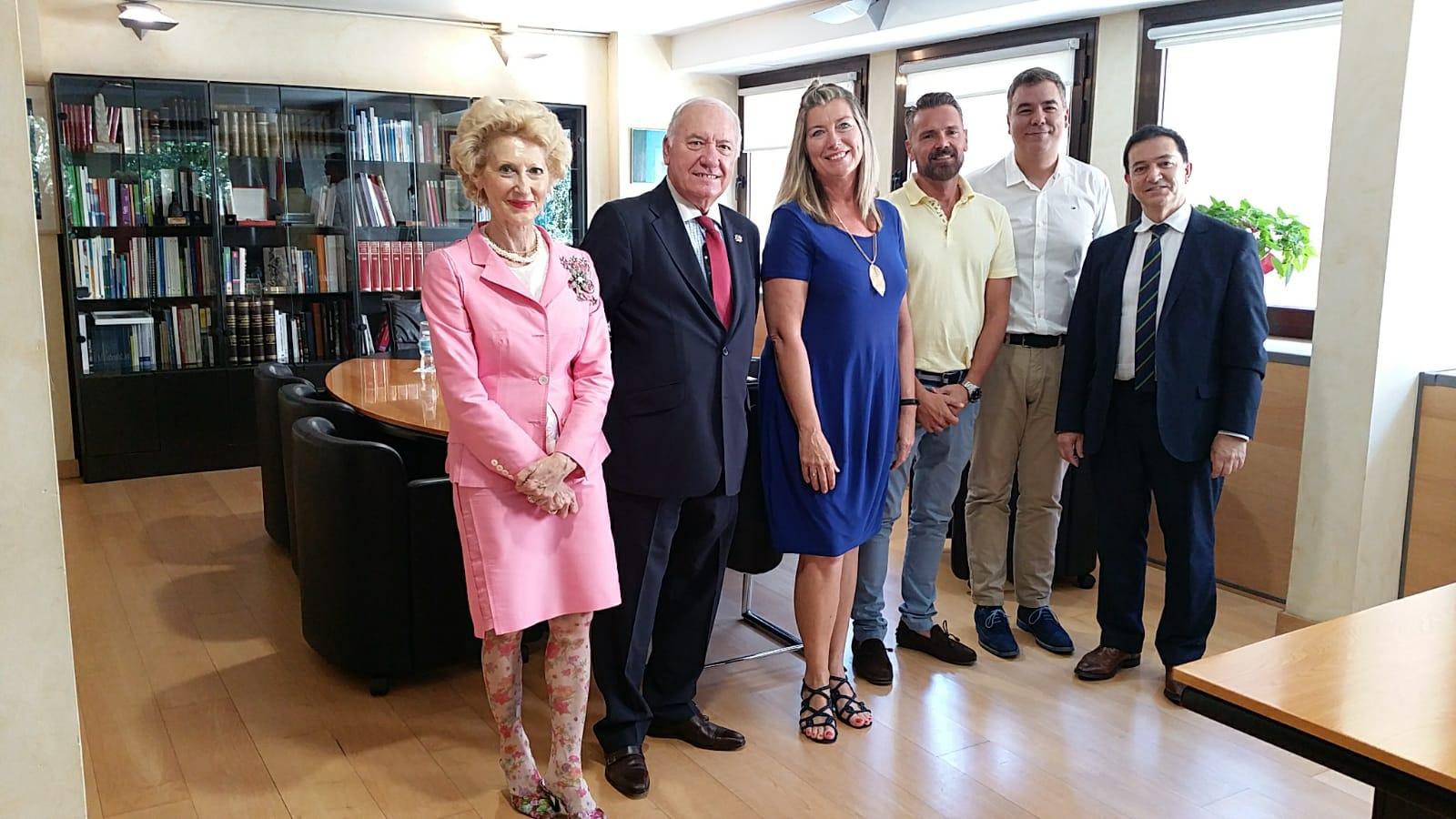 La consejera de Salud de Baleares se reúne con el CGE para unir fuerzas por el desarrollo de la Enfermería