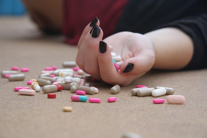 Un estudio analiza las diferencias en los métodos que eligen hombres y mujeres para suicidarse