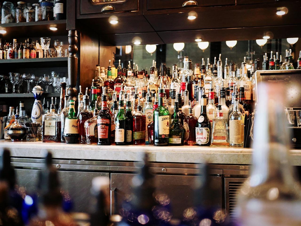 Mayores impuestos al alcohol es la forma más rentable de disminuir su consumo, según un estudio de la OMS