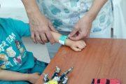 Pulseras identificativas para mejorar la seguridad de los niños atendidos en Urgencias