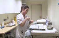 La enfermera cumple una labor clave en el régimen terapéutico domiciliario de los pacientes hematológicos