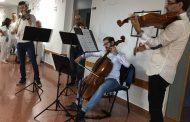 Microconciertos de música clásica para humanizar la atención sanitaria a los pacientes